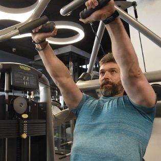 Gana masa muscular en gimnasio Sevilla