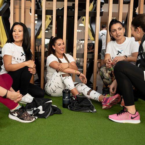 Clases colectivas e individuales en gimnasio Sevilla